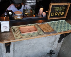 【HAUNT COFFEE STAND by HELMS × Heritage Leather Co.】#LEATHER TRAY